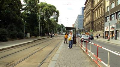 tram_R.jpg